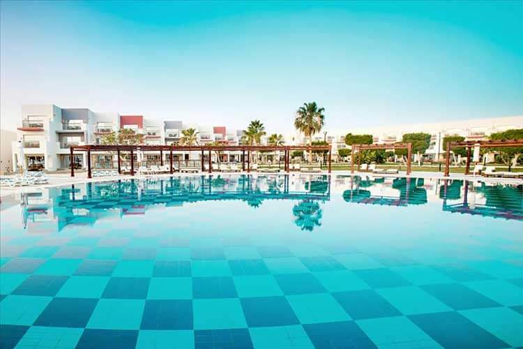 Zwembad van All inclusive Hotel SUNRISE Crystal Bay Resort Egypte